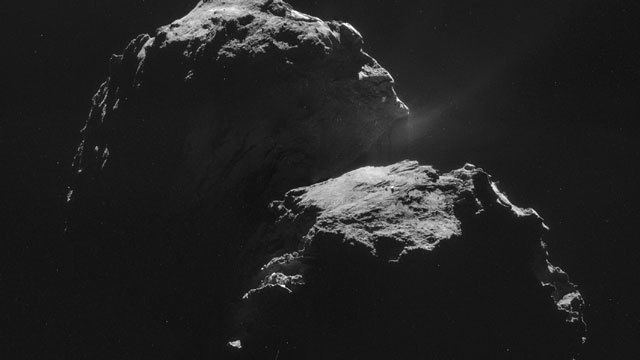 Two chunks of the same comet buzzing Earth this week